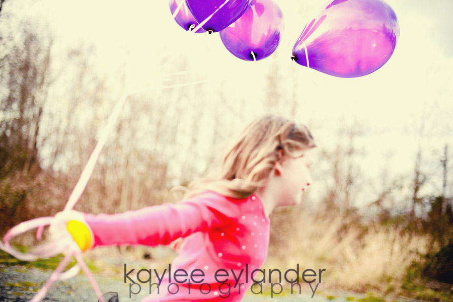Estelle balloons 1 Seattle Children's Photographer | Kaylee Eylander | Balloons and my Baby!