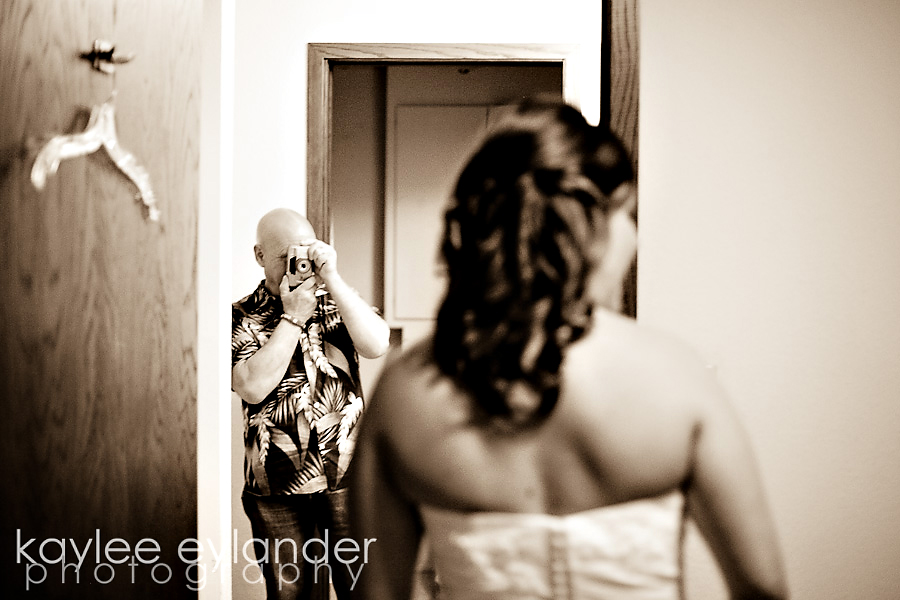 GETTING READY 10 Seattle Wedding Photographer | Wedding At Lake Union Cafe!