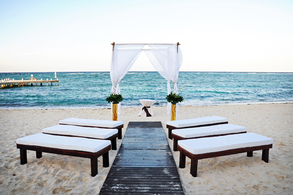 Cayman Islands Wedding photographer Top 10 Destination Wedding Locations | Seattle Based Destination Wedding Photographer
