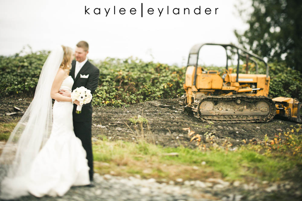 Hidden Meadows Wedding Bride Groom0001 Hidden Meadows Wedding| DIY Elegant and FUN! | Snohomish Wedding Photographers