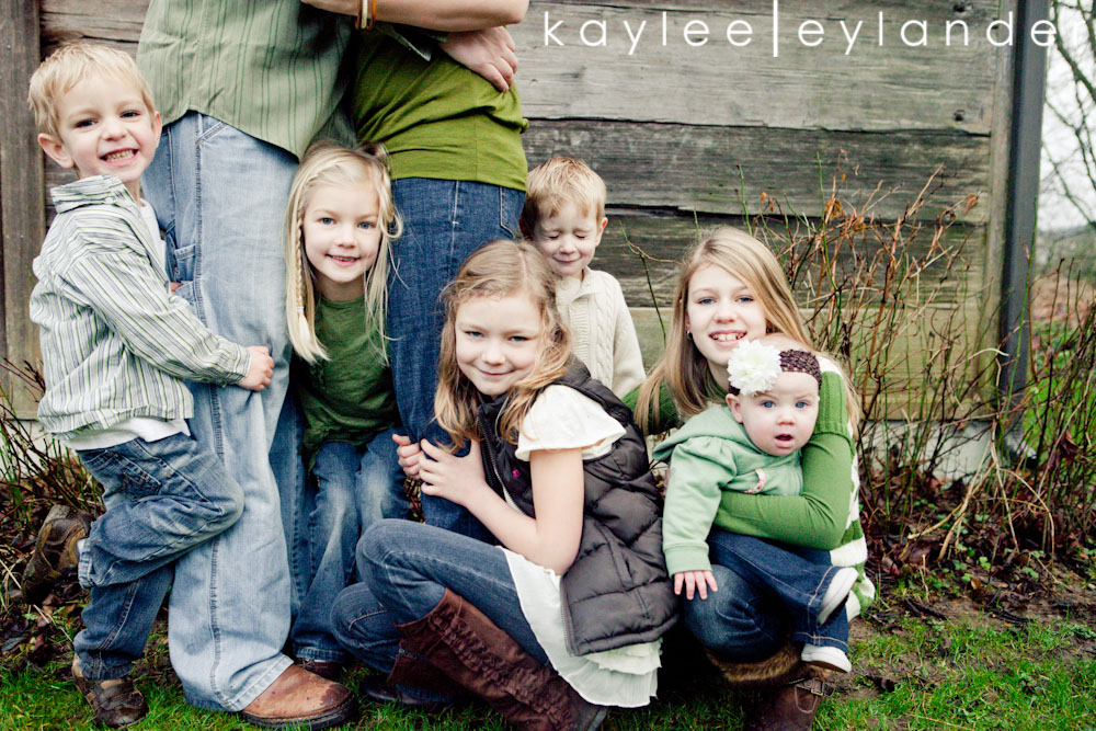Snohomish Family photographers.Lindstrand 508 Family Lifestyle Portraits