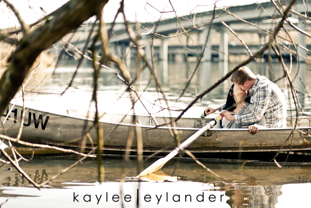 Chloe Josh 36 Kerry Park & UW Row Boat Engagement Session | Chloe & Josh