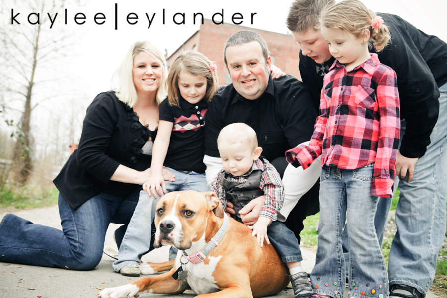 Snohomish Family Photographer 6 Nimmers, Dog & Hot Dogs....wow. | Modern Family Photographer