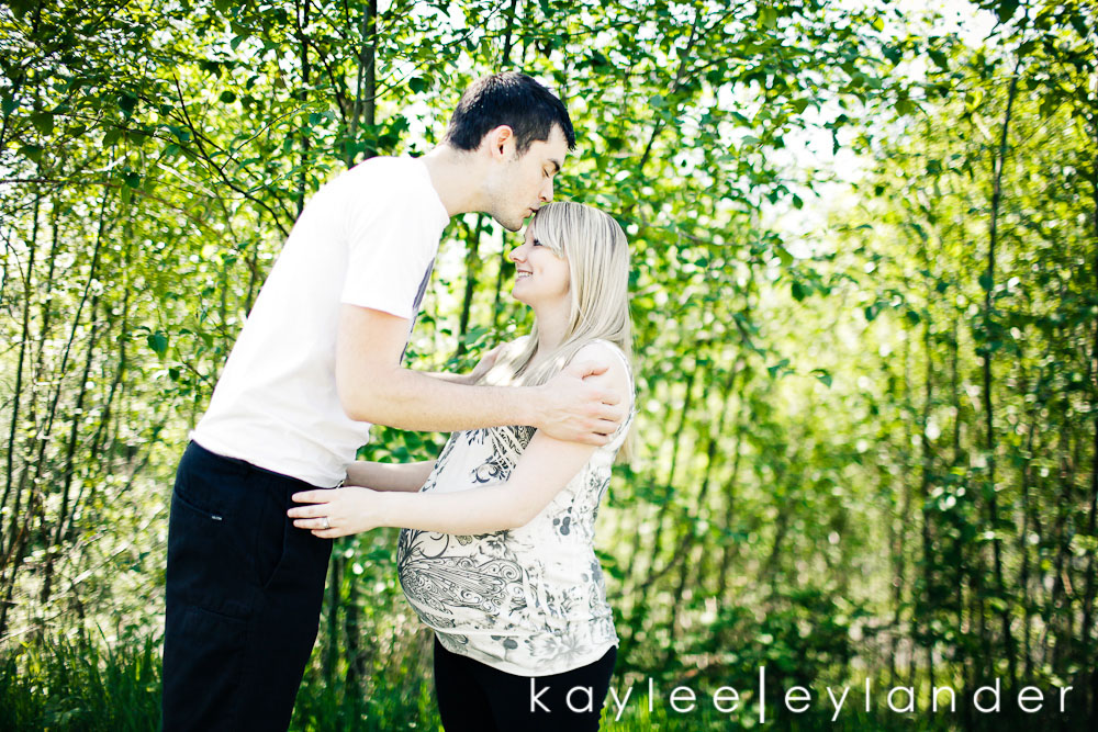 002 Snohomish Maternity Photographer | Baby Bump and...a deer?
