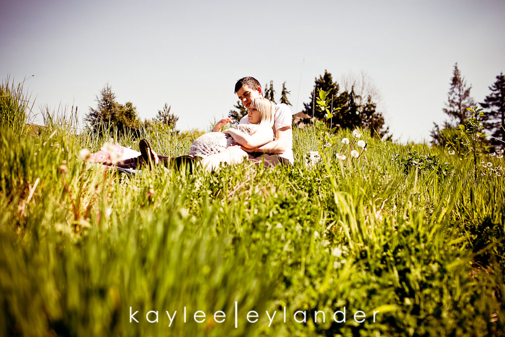 012 Snohomish Maternity Photographer | Baby Bump and...a deer?