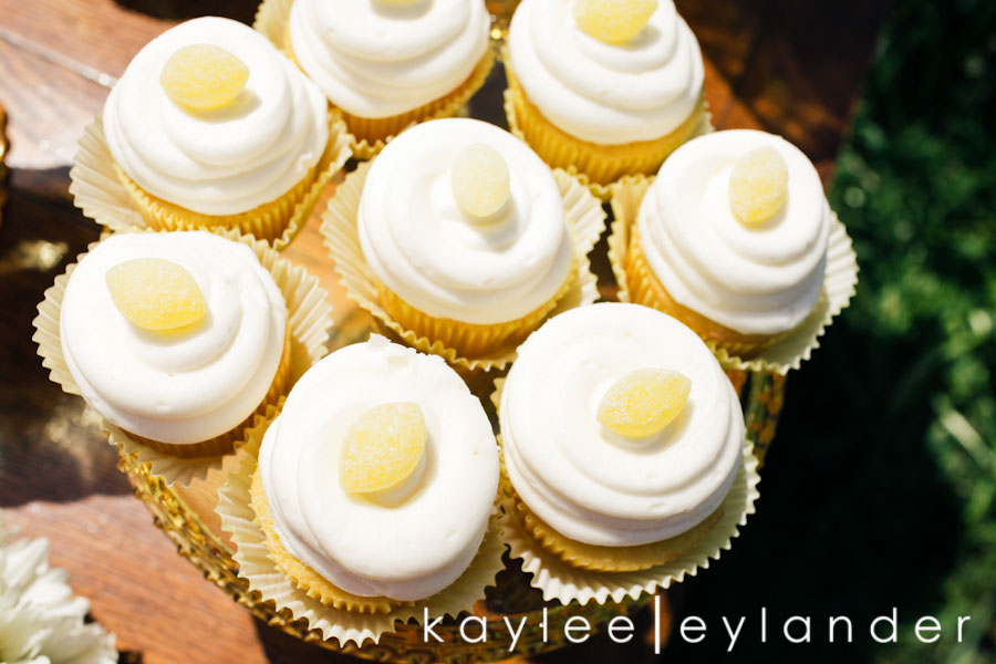 Yellow balloon wedding 26 Jenny Cookie | Dessert Tables & Dessert Bars