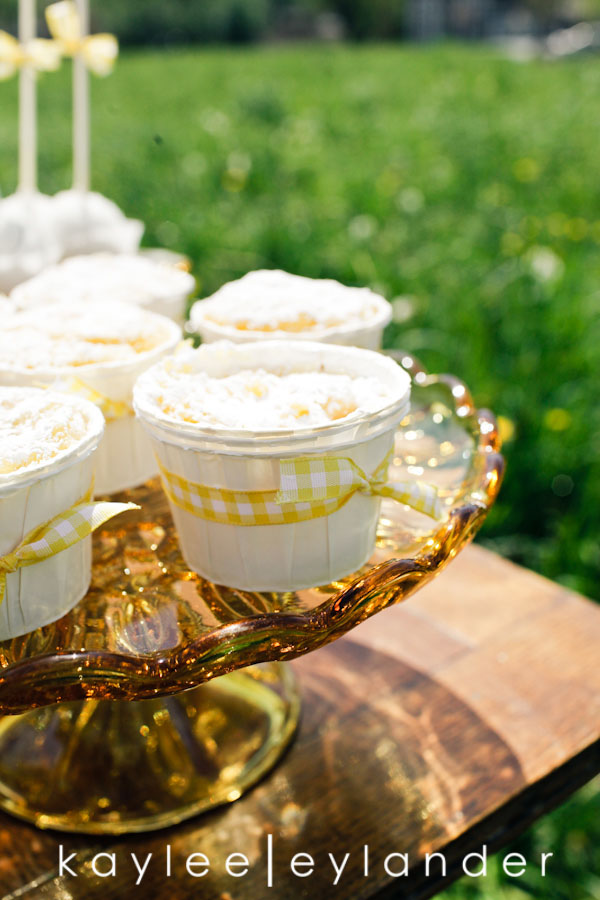 Yellow balloon wedding 28 Jenny Cookie | Dessert Tables & Dessert Bars