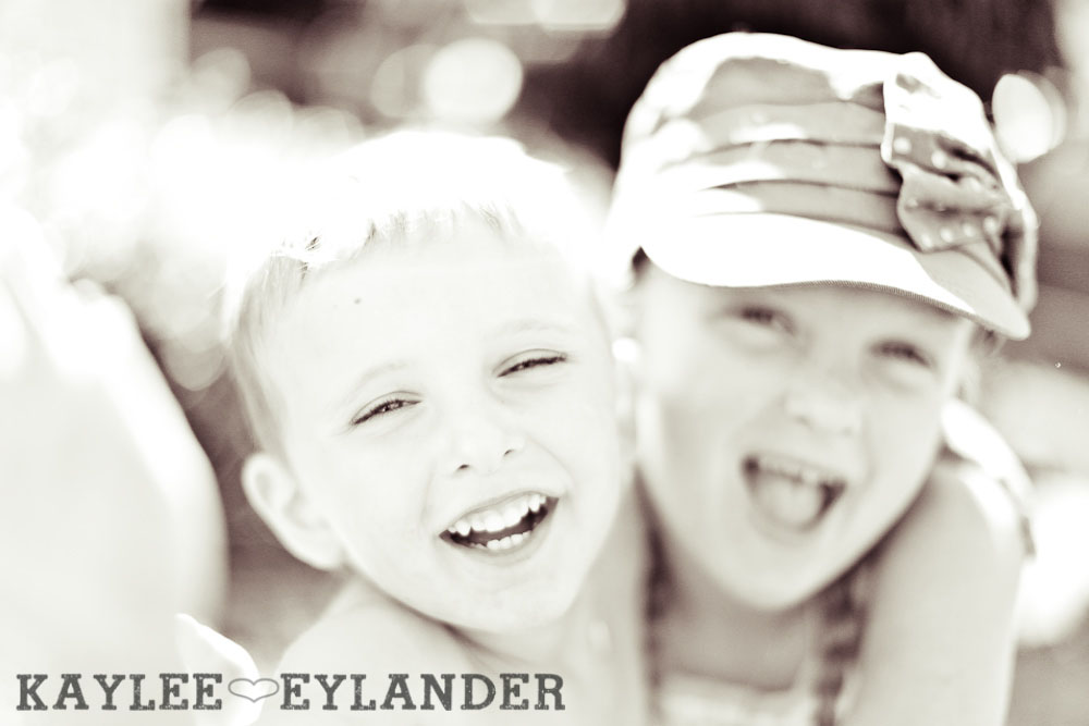 Snohomish childrens photographer 501 Summertime with the kiddos.....| Kaylee Eylander