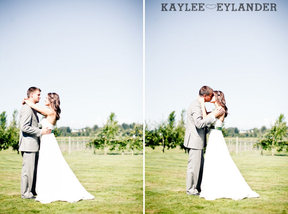 Swans Trail Farm Wedding Photographer 1 1100x820 Swans Trail Farm | Rustic Barn Field Wedding | Sneak Peak