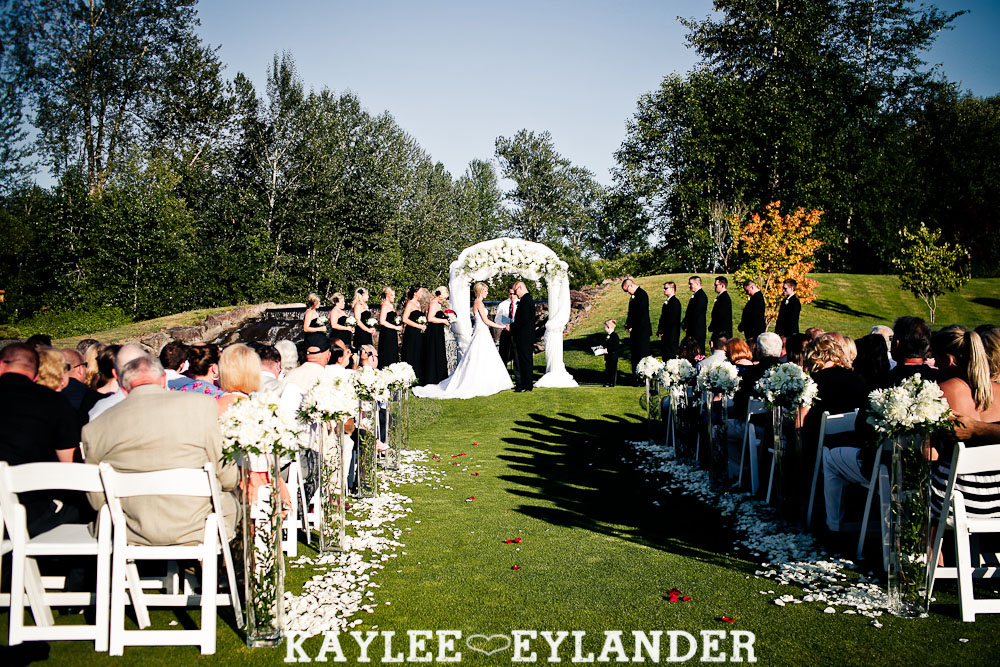 Echo Falls Wedding Ceremony 401 Echo Falls Golf Course Wedding | Snohomish Wedding Photographers