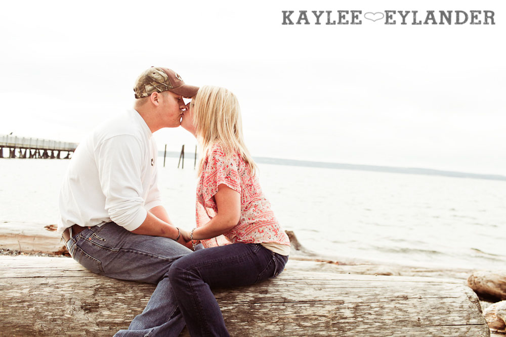 17 Beach Engagement Session | Kayak Point with a sweet chocolate lab...and 2 peeps in love