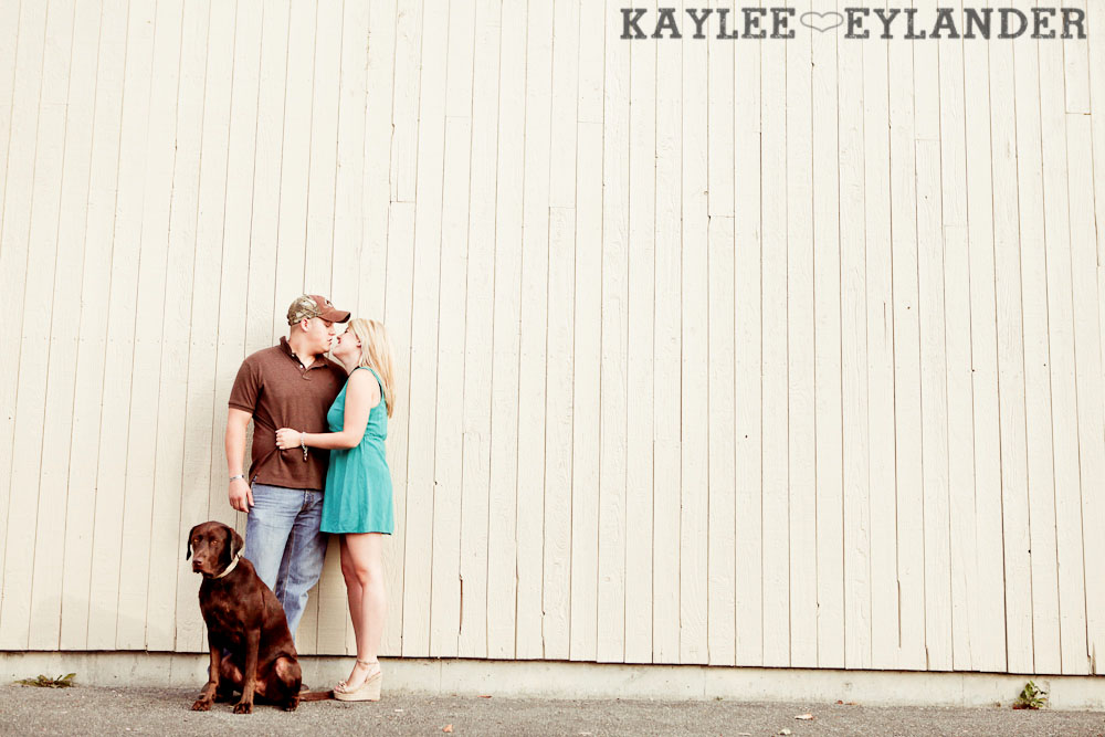 22 Beach Engagement Session | Kayak Point with a sweet chocolate lab...and 2 peeps in love