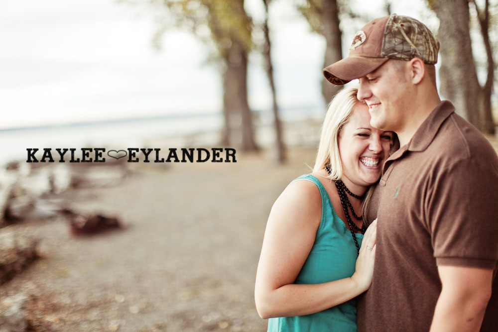 28 Beach Engagement Session | Kayak Point with a sweet chocolate lab...and 2 peeps in love