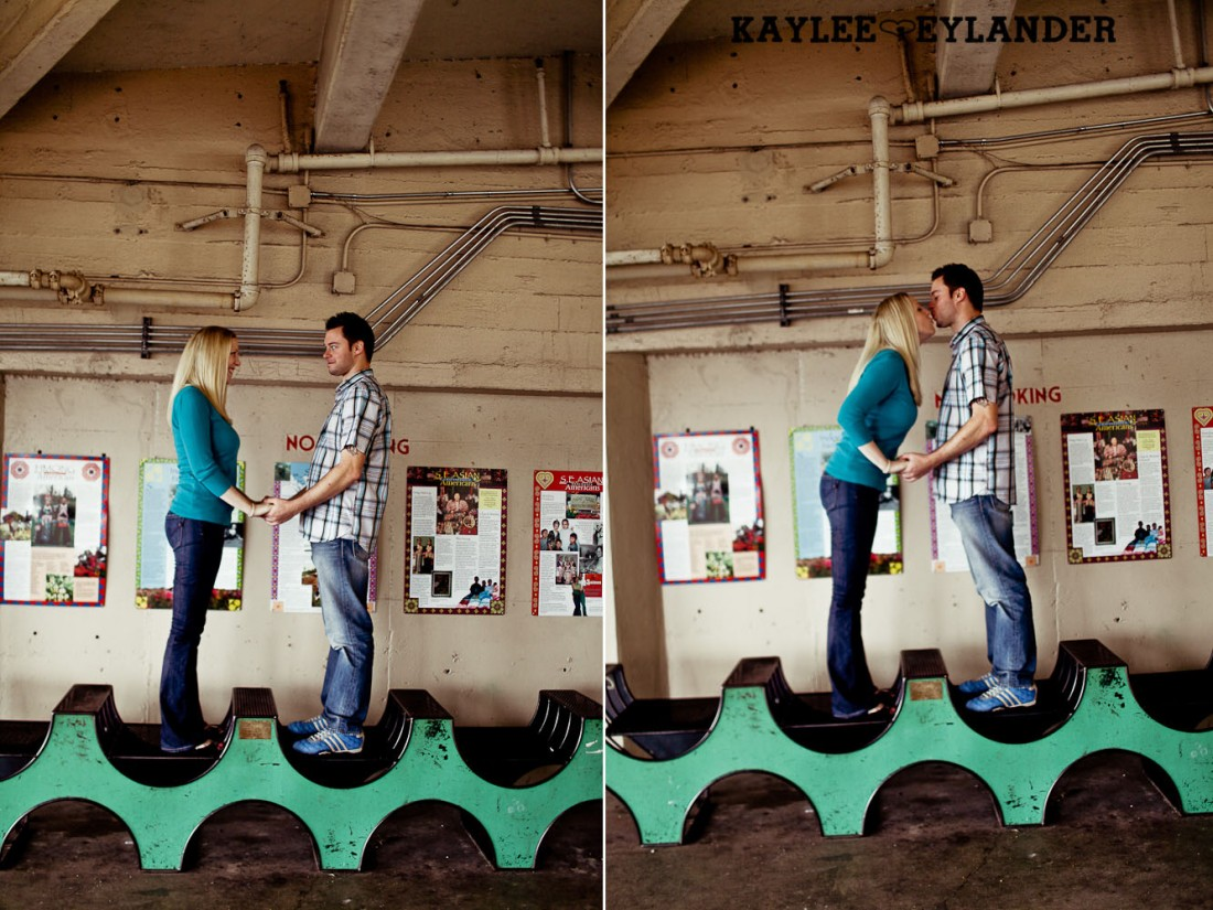 Pike Place Engagement Seattle 11 1100x825 Pike Place Market Engagement Session | Urban Seattle