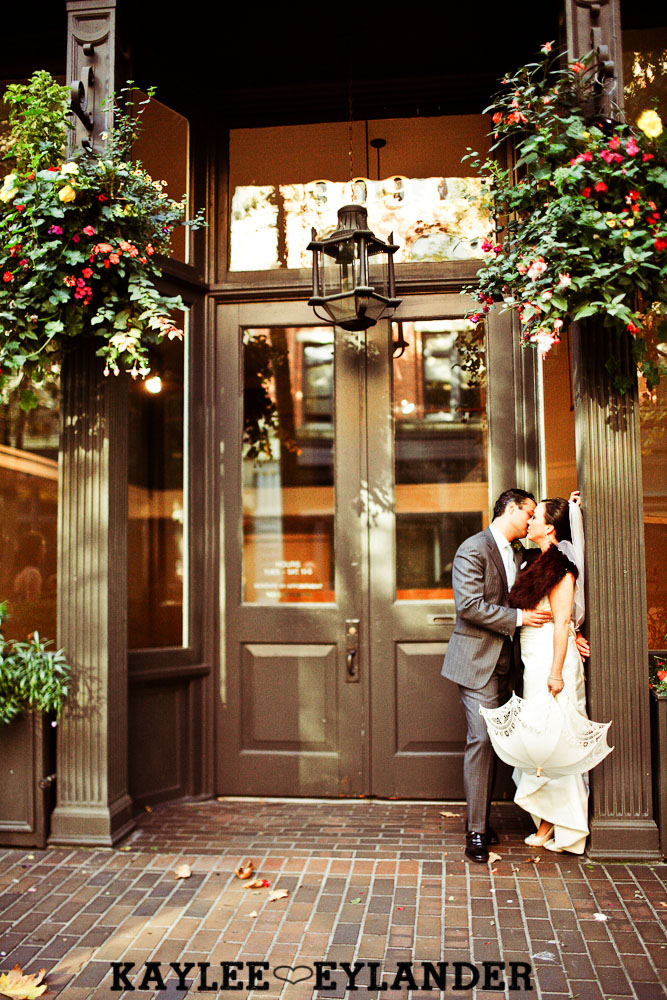 Pioneer square Seattle Vintage wedding 311 Downtown Seattle Vintage Wedding | A love story you dont want to miss!