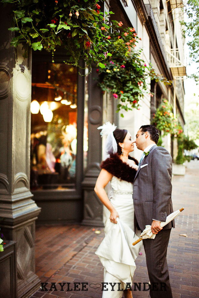 Pioneer square Seattle Vintage wedding 34 Downtown Seattle Vintage Wedding | A love story you dont want to miss!