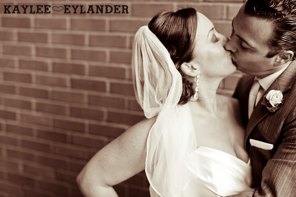Pioneer square Seattle Vintage wedding 61 Downtown Seattle Vintage Wedding | A love story you dont want to miss!