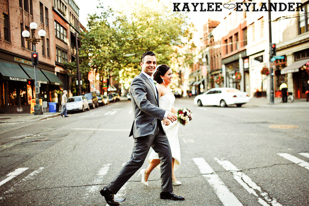 Pioneer square Seattle Vintage wedding 9 Downtown Seattle Vintage Wedding | A love story you dont want to miss!