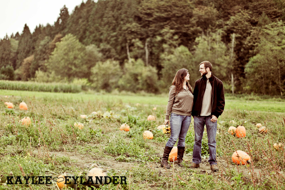 00172 Day After Session at Craven Farm | Fall, Pumpkins and some cute newlyweds!