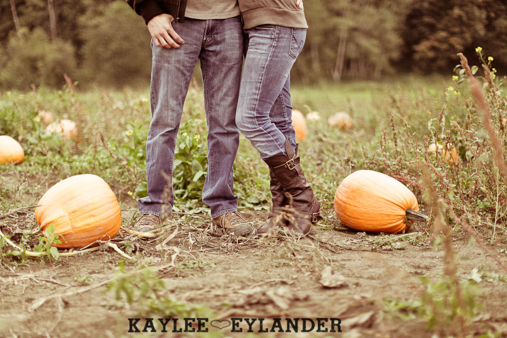 00191 Day After Session at Craven Farm | Fall, Pumpkins and some cute newlyweds!