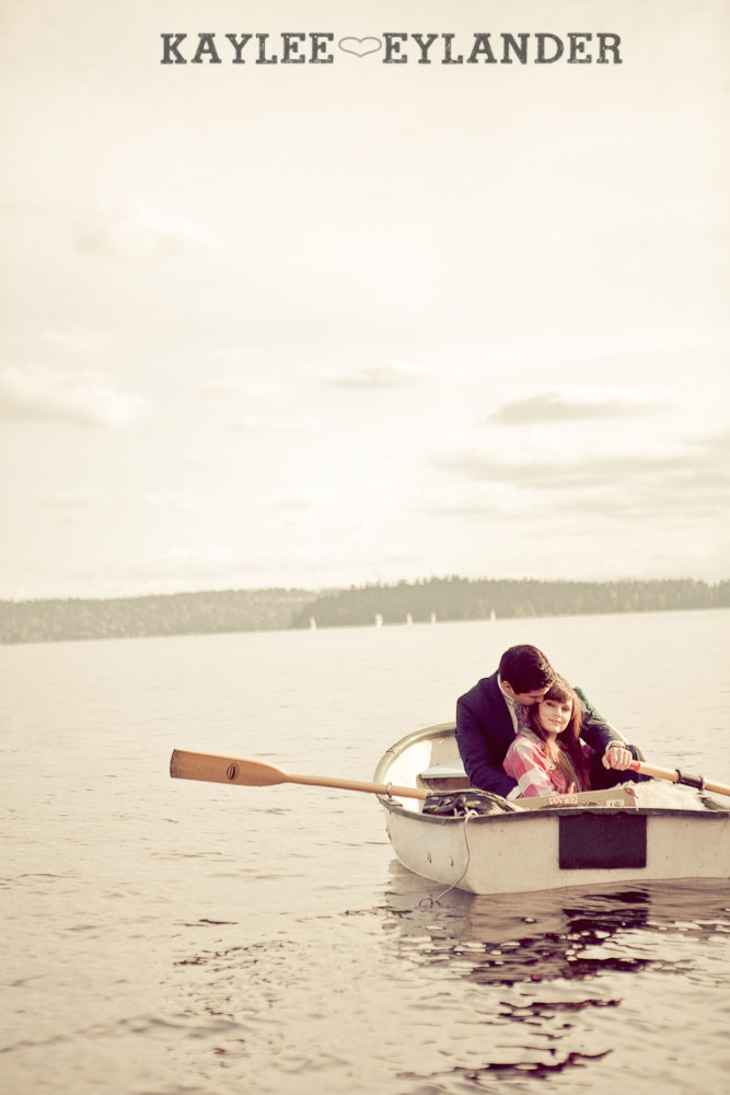 0033 Vintage Engagement Session | Rowboat, a vintage type writer Beach cruisers & Love