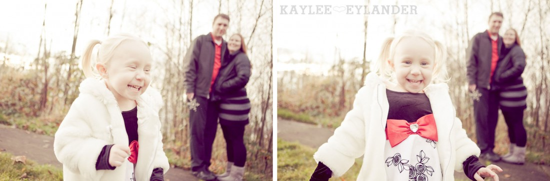 Baze Family 2011 25 1100x363 Family Portrait Session | Big Blue Eyes!