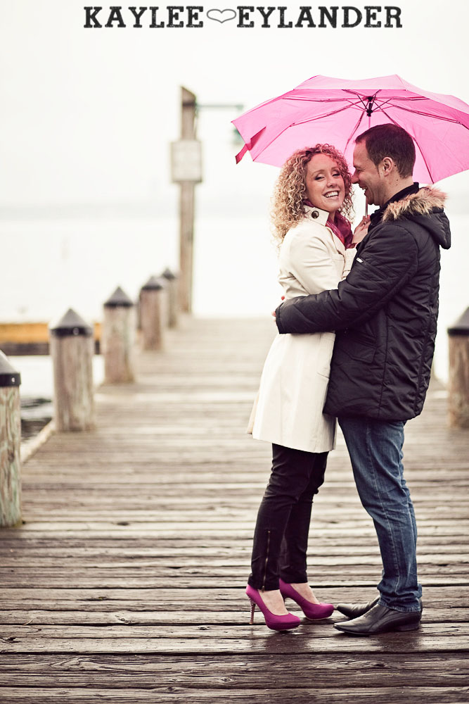 Kirkland waterfront engagement session 14 Kirkland Engagement Session | 1 Hot Pink Umbrella and Two people in love!