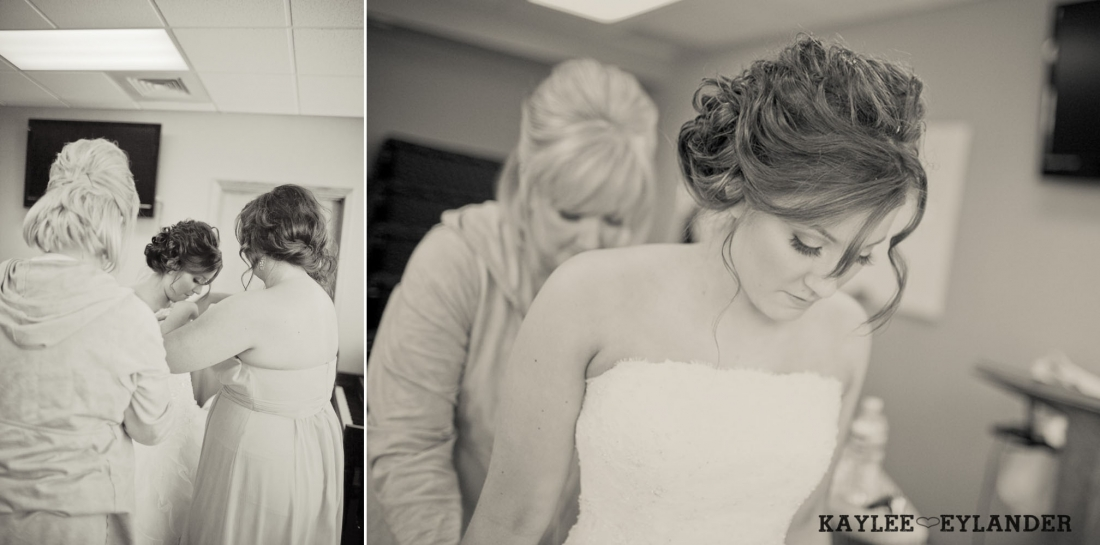 Bride Getting Ready 27 1100x545 Everett Wedding Photographer|  Amazingly fun Circus themed Wedding