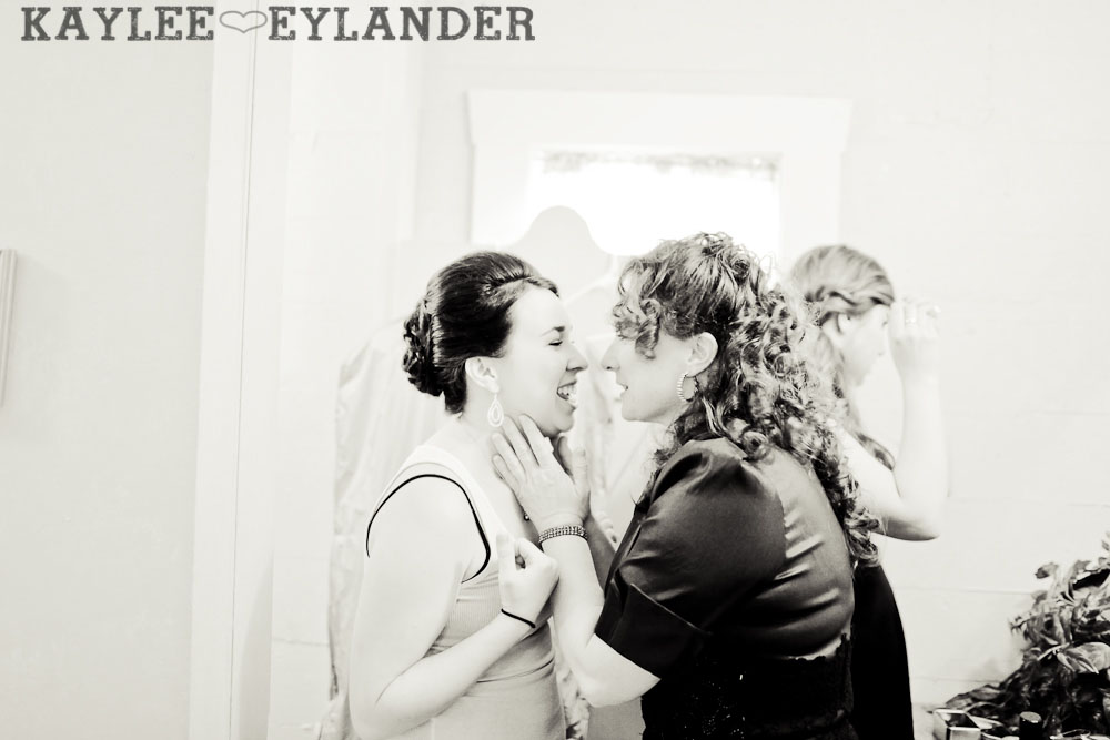 Port Gamble St Pauls Church Wedding 15 Port Gamble Vintage DIY Wedding | I heart St. Pauls Church!