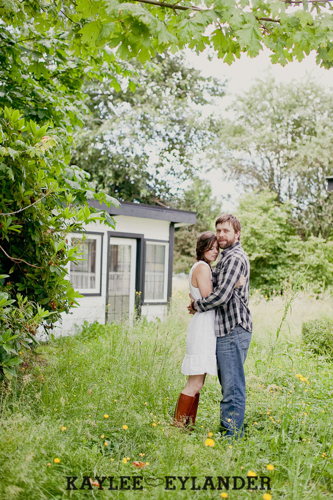 Seattle Wedding Photographer 34 Field Engagement Session | Seattle Wedding Photographer