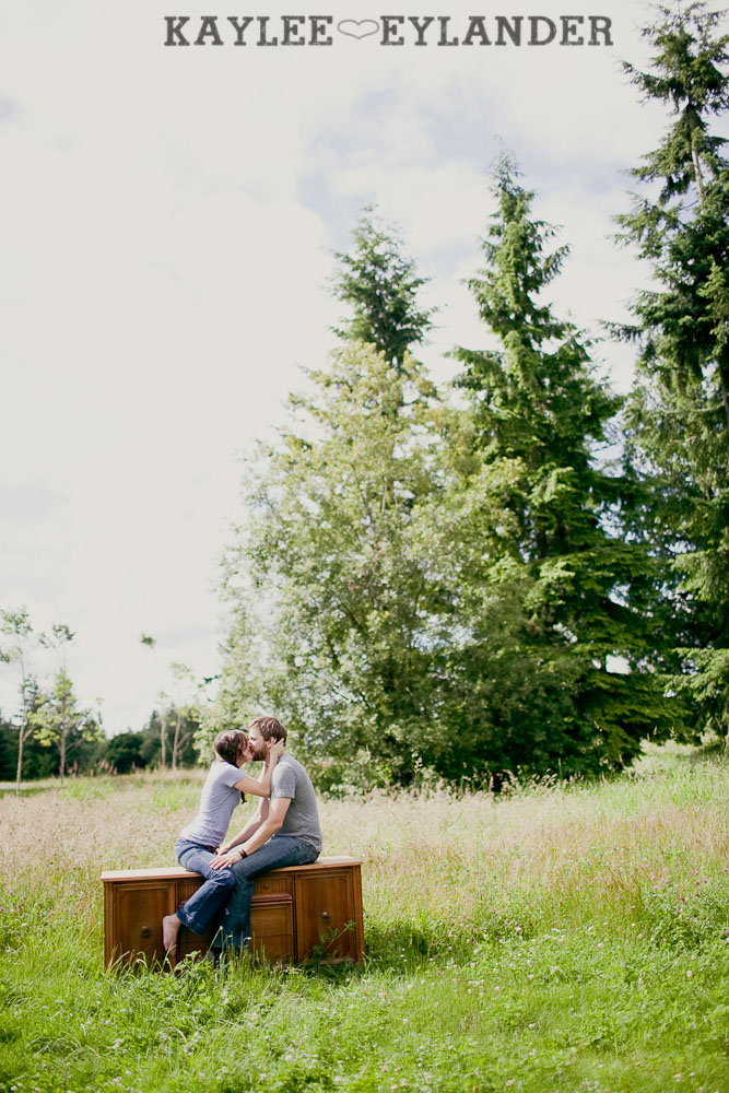 Seattle Wedding Photographer 7 Field Engagement Session | Seattle Wedding Photographer