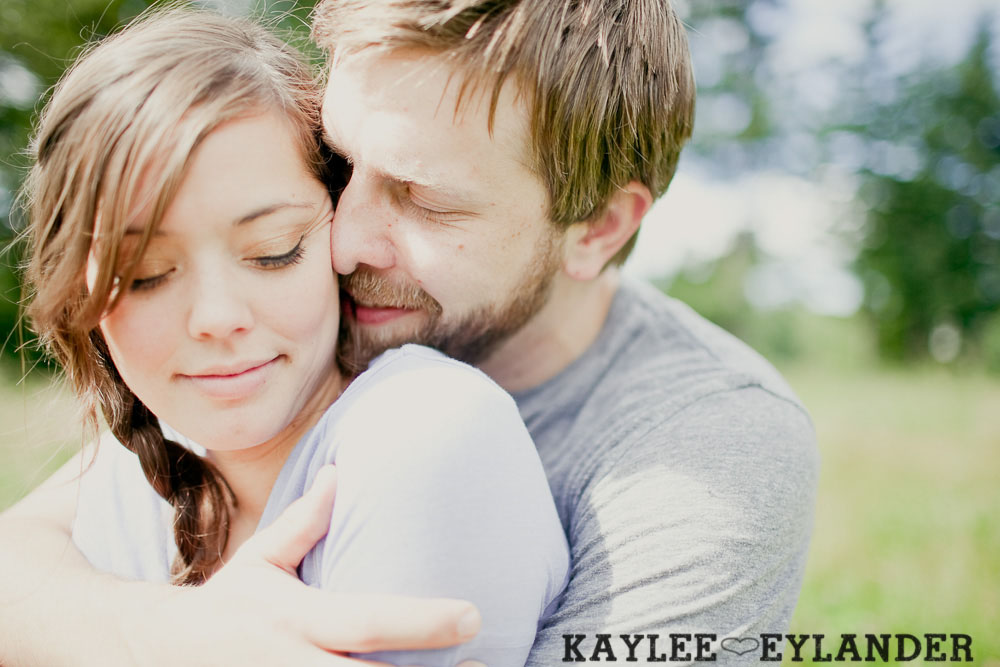 Seattle Wedding Photographer 9 Field Engagement Session | Seattle Wedding Photographer