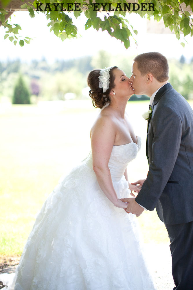 Twin Willows Wedding Snohomish 20 Twin Willow Gardens | Snohomish Wedding Photographer | Sneak Peek!