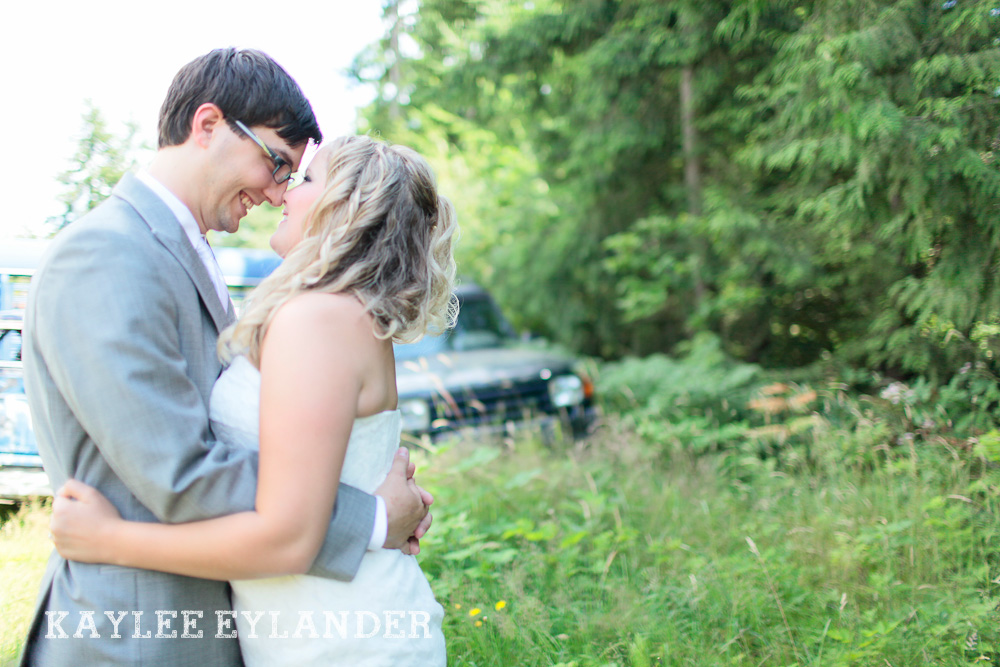 Bothell Backyard DIY Wedding 15 DIY Bothell Backyard Wedding | Turquoise & Yellow Wedding