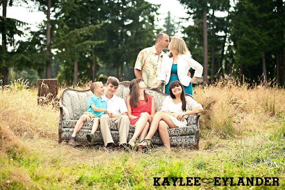 Lake Stevens Fun Family Portraits 16 Lake Stevens Fun Family Portraits | Time Flies