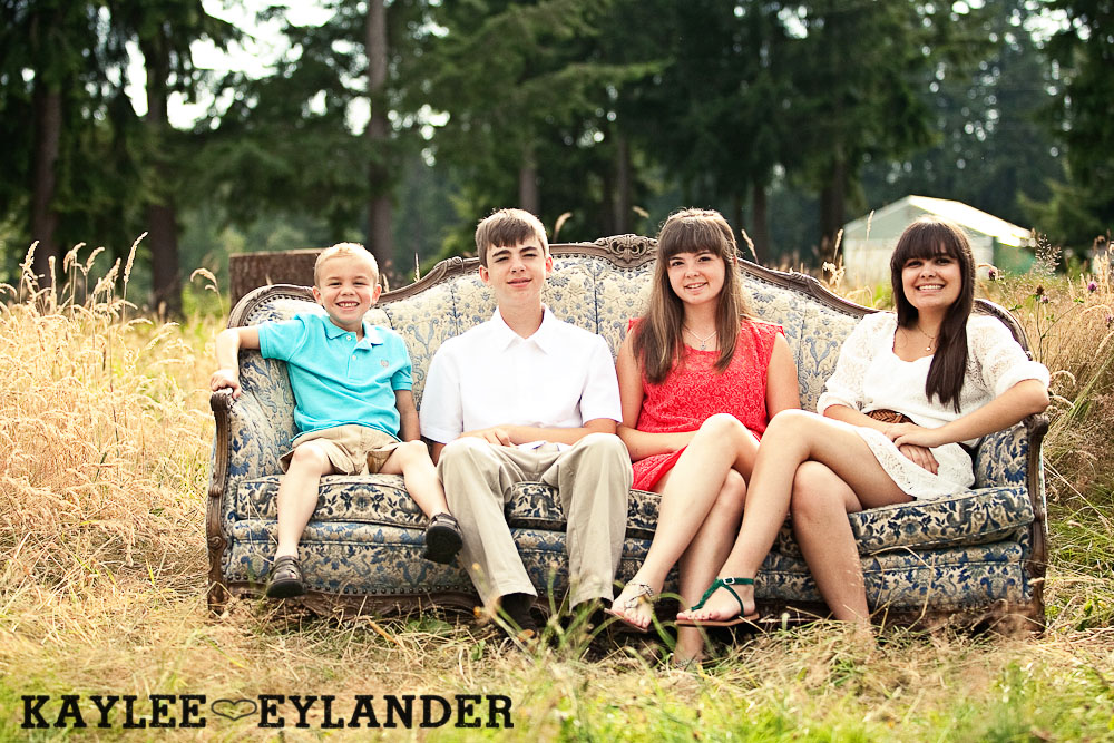 Lake Stevens Fun Family Portraits 17 Lake Stevens Fun Family Portraits | Time Flies