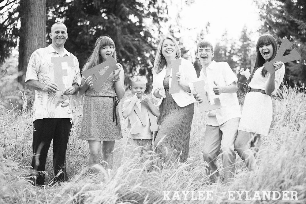 Lake Stevens Fun Family Portraits 18 Lake Stevens Fun Family Portraits | Time Flies