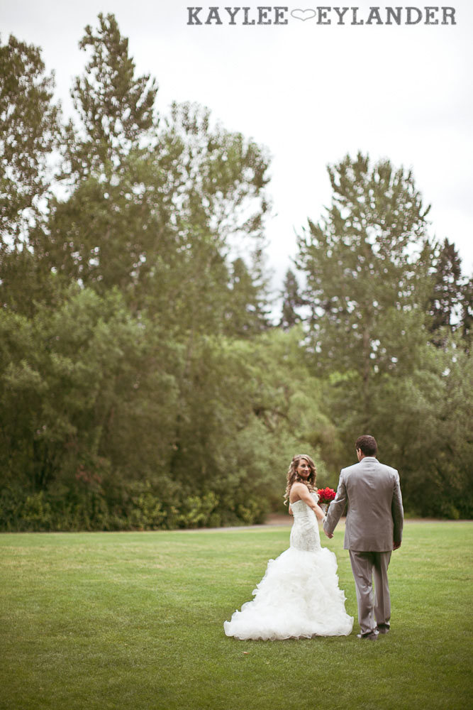 Robinswood House Bellevue Red Grey Wedding 38 Robinswood House Wedding | Red, Grey, Hearts & Birch Wedding