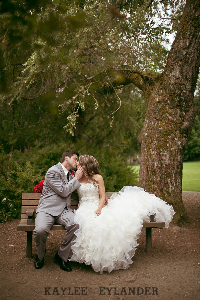 Robinswood House Bellevue Red Grey Wedding 44 Robinswood House Wedding | Red, Grey, Hearts & Birch Wedding