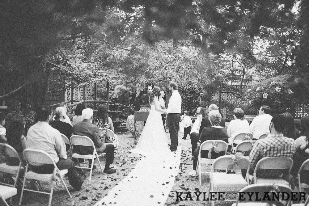 hill crest mt vernon wedding 110 Hillcrest Park Lodge Wedding | Mt Vernon | DIY Lace & Burlap Wedding