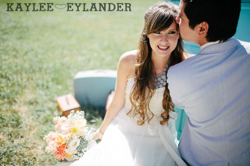 Ritter Farms DIY WEdding First Look 21 Ritter Farms DIY Wedding | Cle Elum Wedding | Turquoise Piano in a field...need I say more?