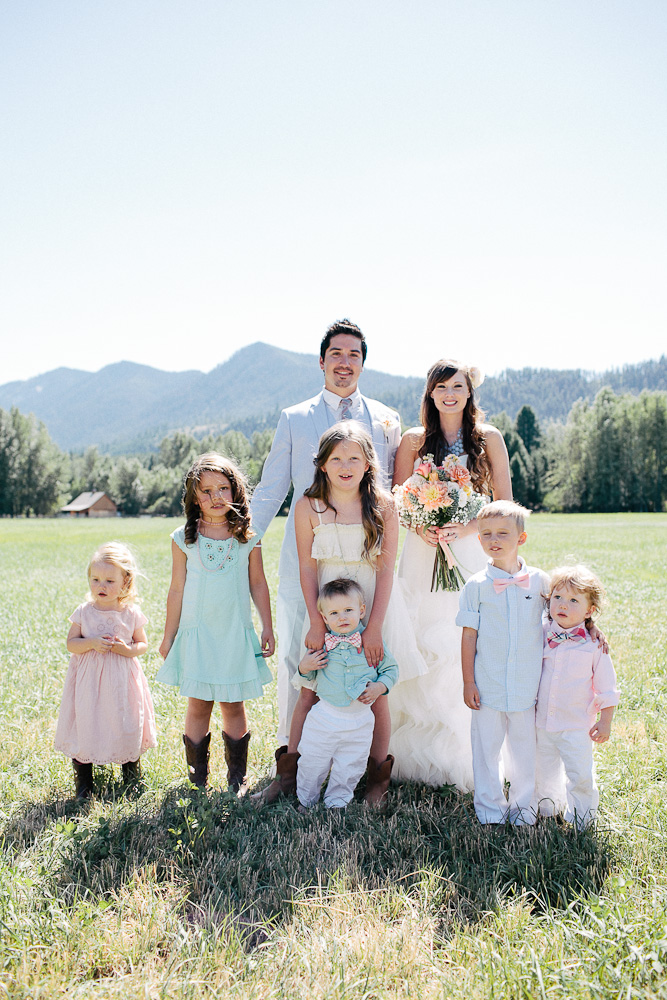 Ritter Farms DIY WEdding Party 5 Ritter Farms DIY Wedding | Cle Elum Wedding | Turquoise Piano in a field...need I say more?