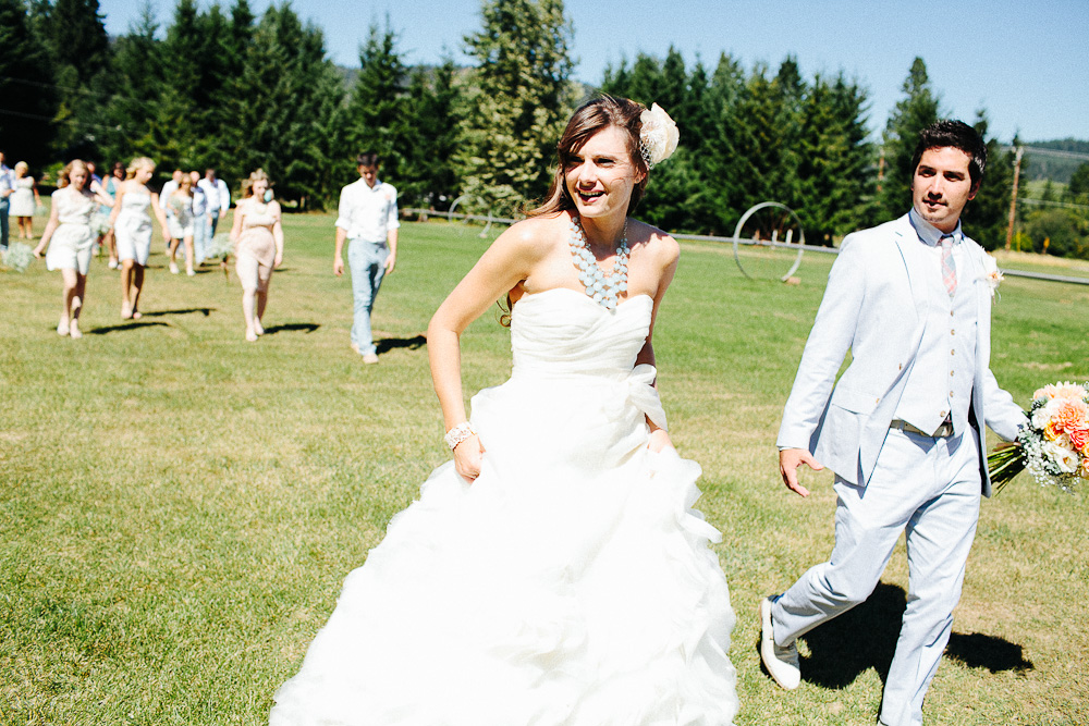 Ritter Farms DIY WEdding Party 6 Ritter Farms DIY Wedding | Cle Elum Wedding | Turquoise Piano in a field...need I say more?