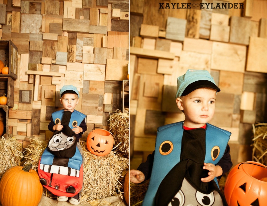 Seattle Childrens Photographer 26 1100x848  Halloween Mini Sessions | Show off those Costumes...Kiddos and furry kids too!