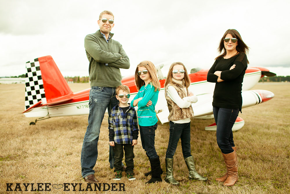 Seattle Family Photographer 1 Arlington Airport Family Portraits! | The Bogners (some of my favorite people in the world!)
