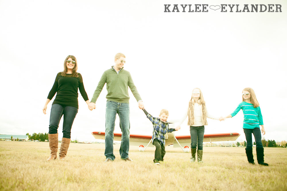 Seattle Family Photographer 36 Arlington Airport Family Portraits! | The Bogners (some of my favorite people in the world!)