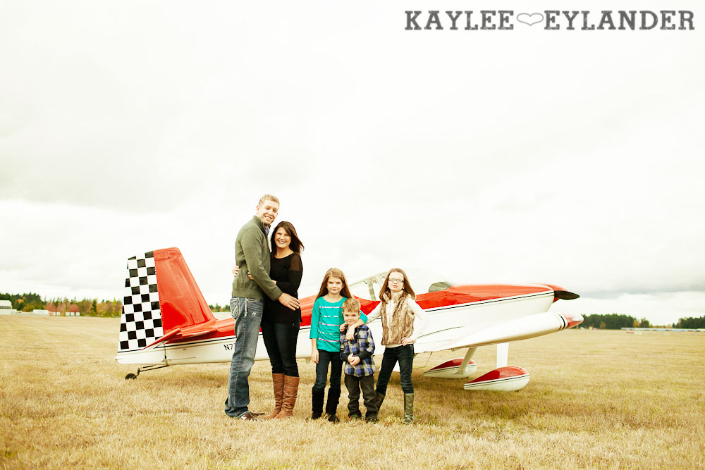 Seattle Family Photographer 4 Arlington Airport Family Portraits! | The Bogners (some of my favorite people in the world!)