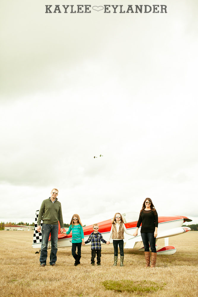 Seattle Family Photographer 5 Arlington Airport Family Portraits! | The Bogners (some of my favorite people in the world!)