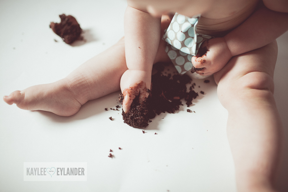 Cake Smash 1 year birthday kaylee eylander 11 Cake Smash | Lake Stevens Baby Photographer