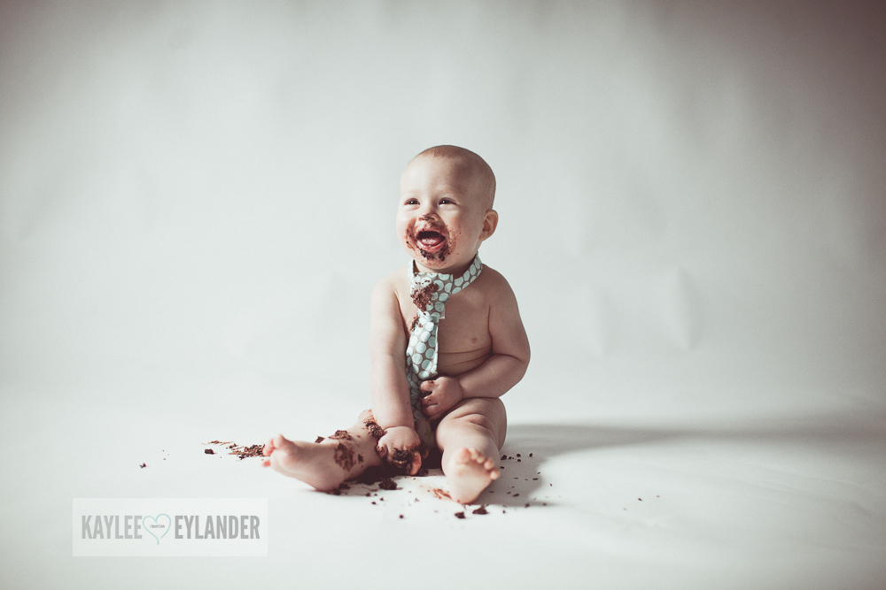 Cake Smash 1 year birthday kaylee eylander 17 Cake Smash | Lake Stevens Baby Photographer